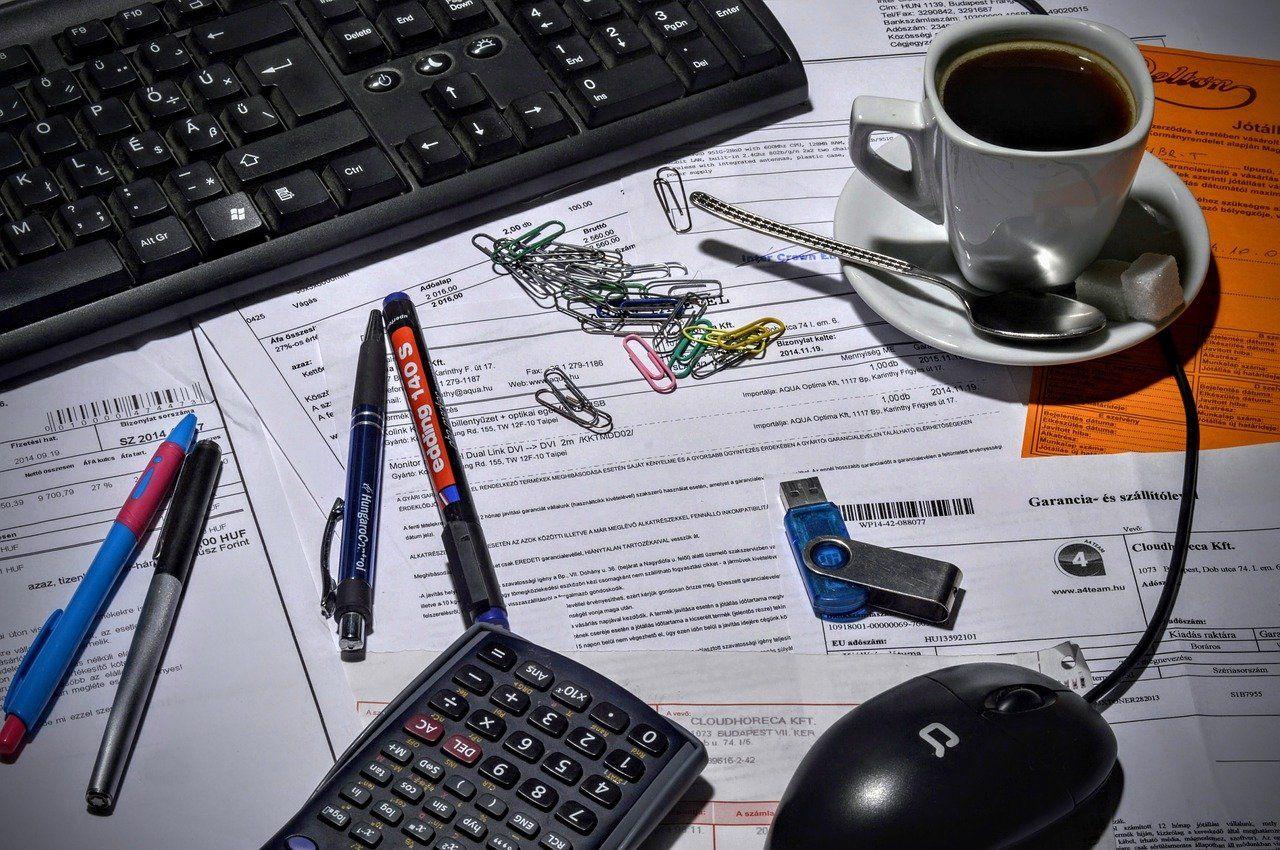 Modèles de CV adjoint administratif
